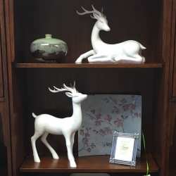 Consignment Home Decor Deer and Art