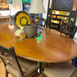 consignment-furniture-rustic-dining-table
