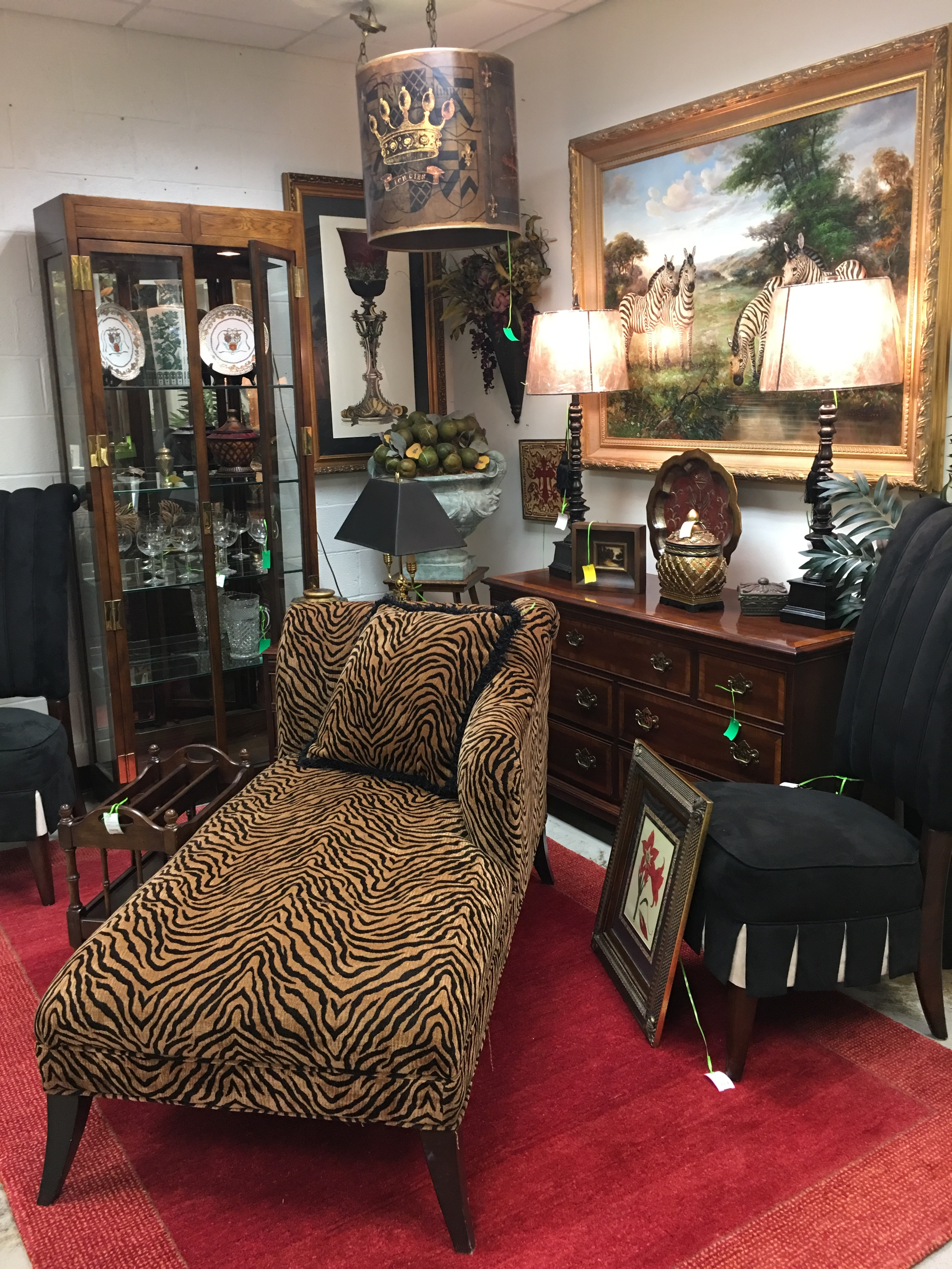 consignment furniture chaise – Eyedia Shop
