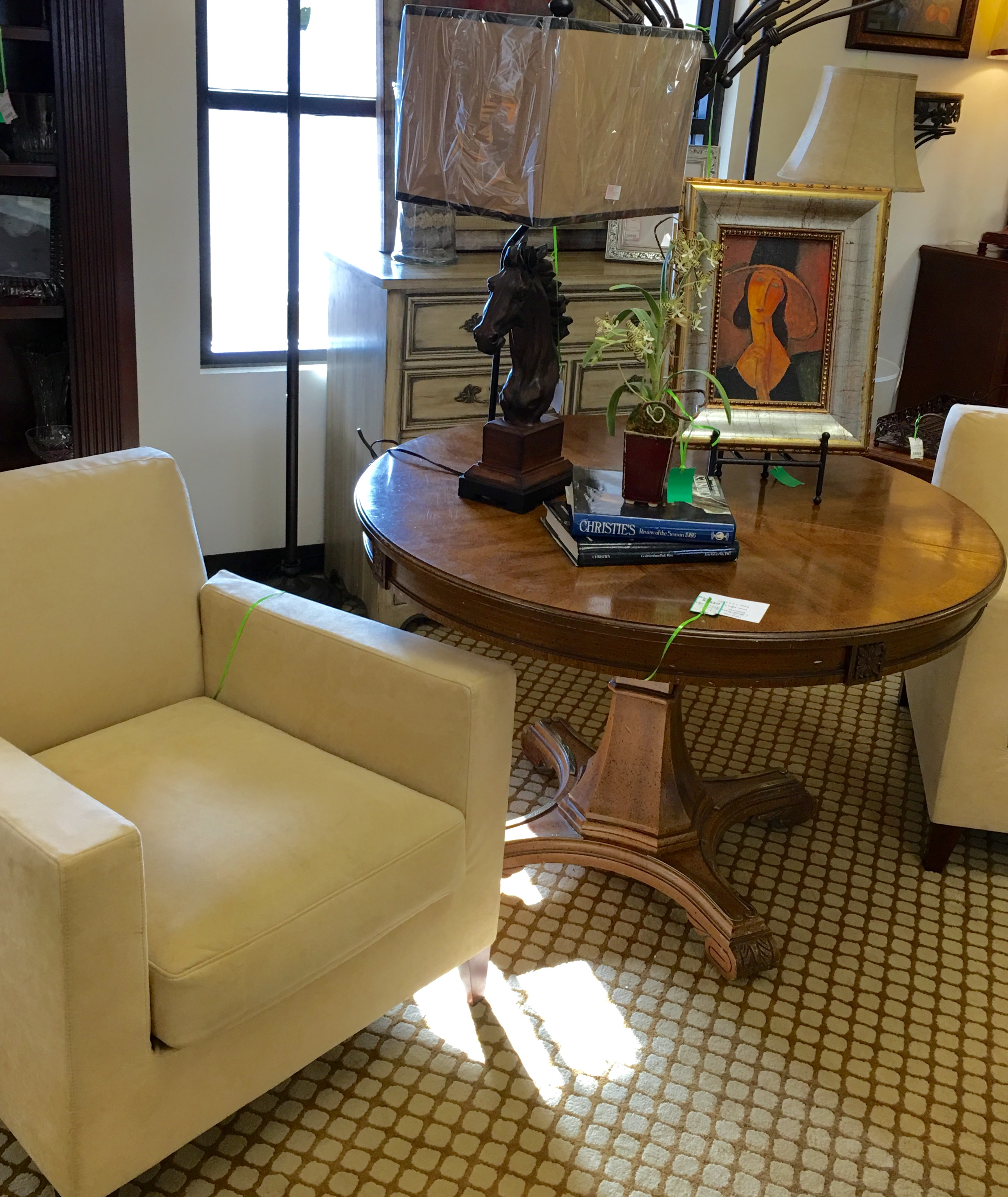 Consignment Furniture Suede Cream Chair And Round Table Eyedia Shop