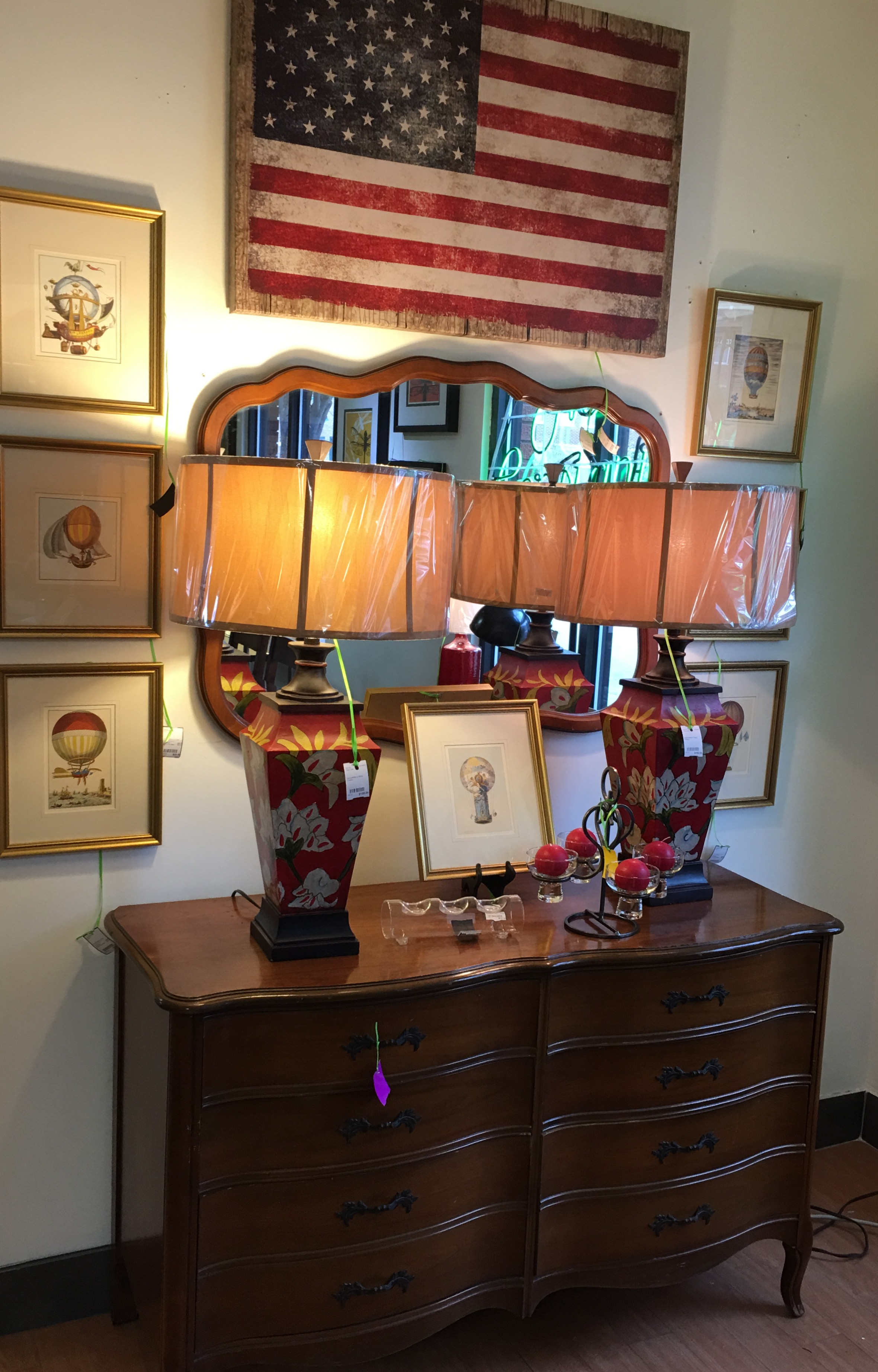 dresser with mirror consignment furniture – Eyedia Shop