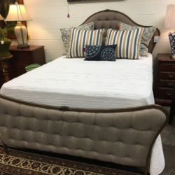French Country Queen Bed Consignment Furniture