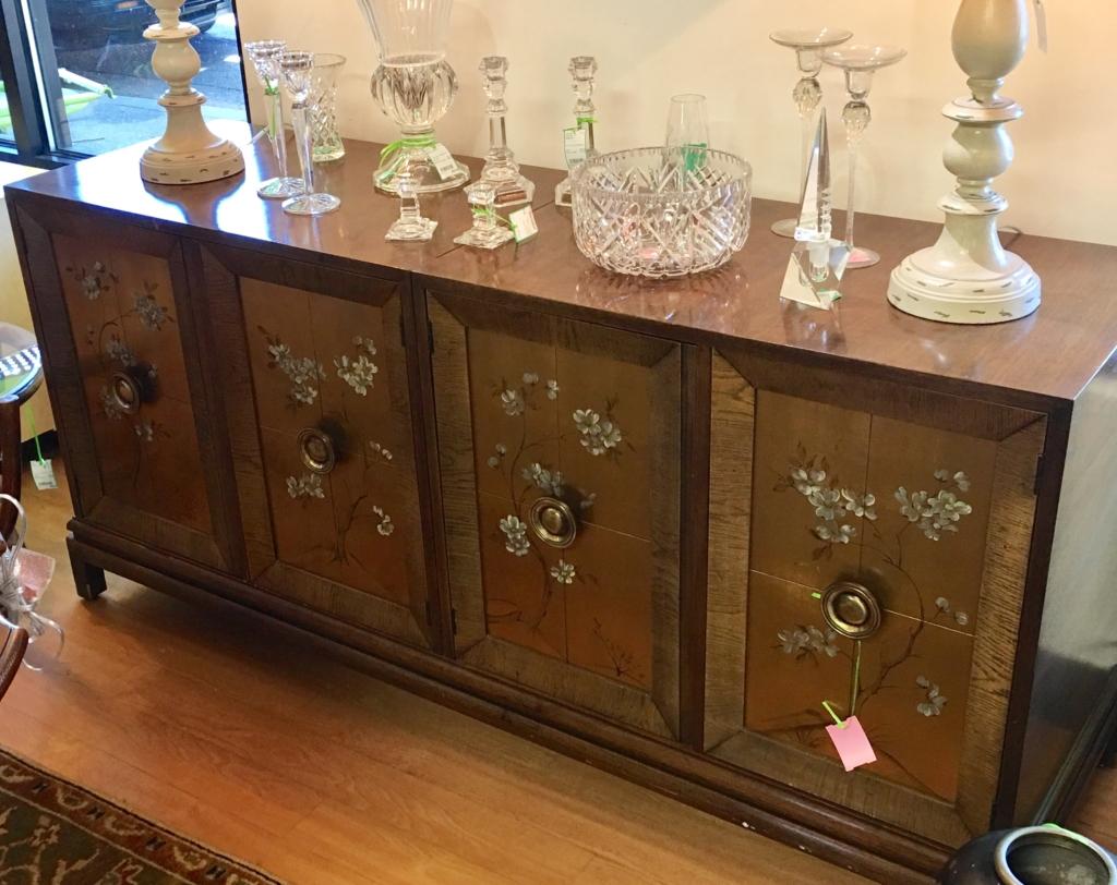 eyedia shop eyedia shop consignment furniture. Black Bedroom Furniture Sets. Home Design Ideas