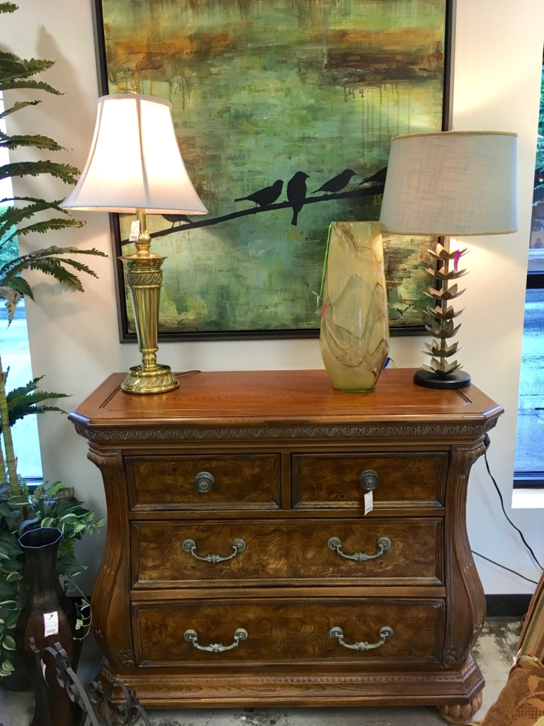 Eyedia Shop : Eyedia Shop Consignment Furniture